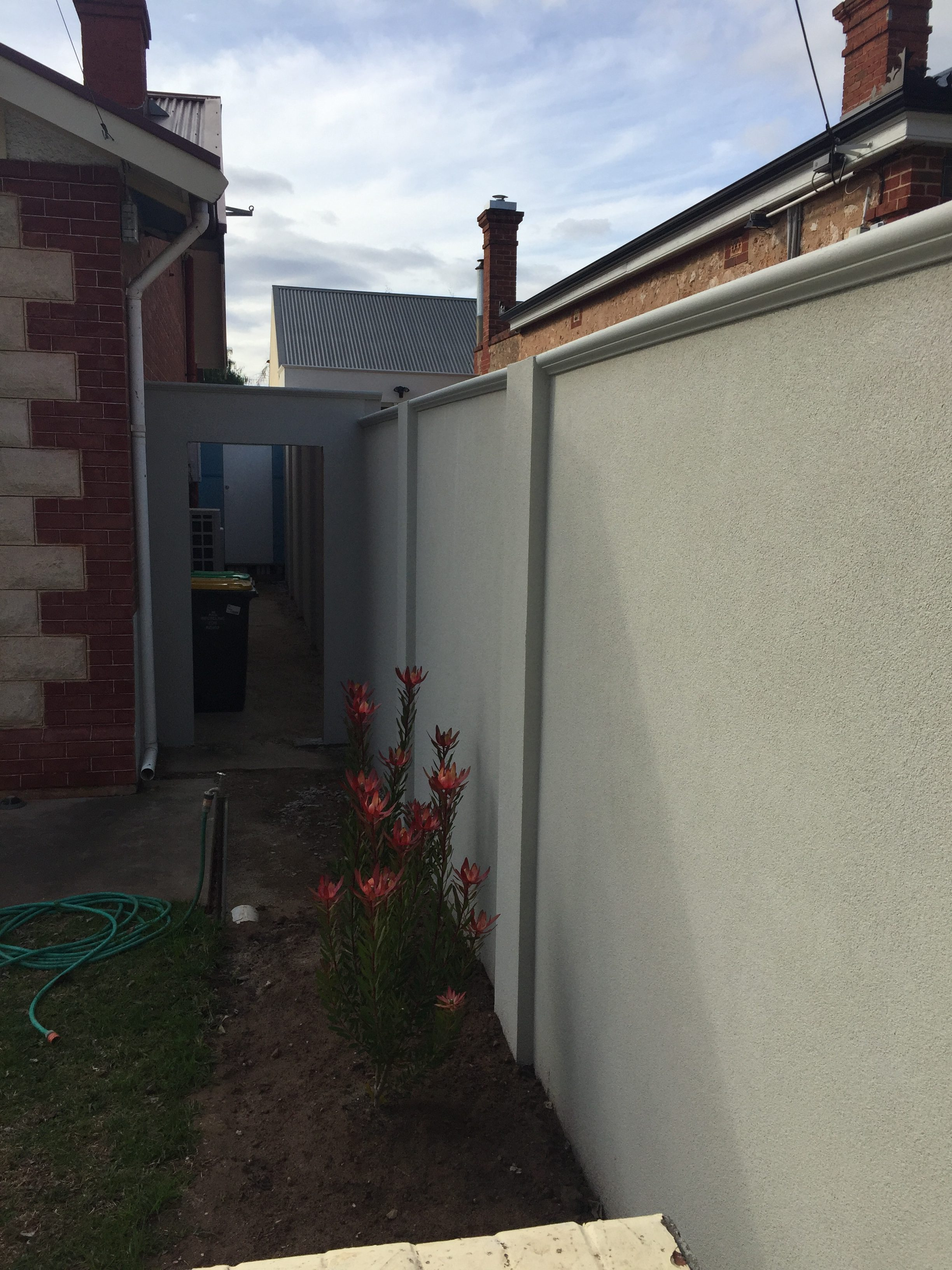 SIP Fencing provides extremely flat walls.